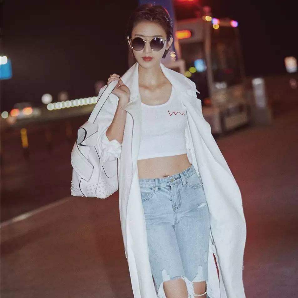 张俪、杨幂说今年上衣越短越时髦?听她们的准没错!