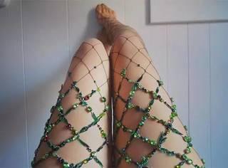 到底要多爱网袜,才能成为双腿艺术家?