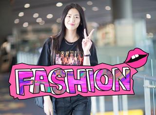 大表姐刘雯机场现身机场,全黑私服搭配爽朗笑容越看越喜欢!