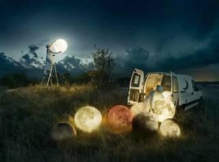 千万别让艺术家精通PS,不然月亮都会被他摘下来维修!
