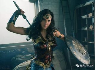 """高颜值才是她最佳""""武器""""!看神奇女侠示范什么是男女通杀的性感妆容!"""