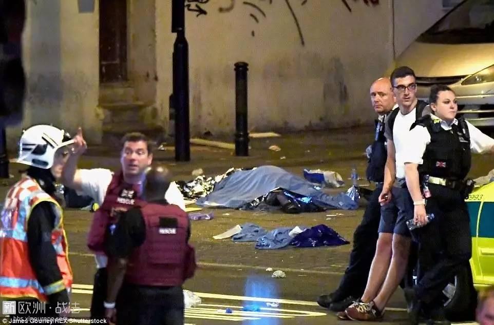 又是恐袭。。。伦敦白人货车司机撞向穆斯林群体,造成多人伤亡