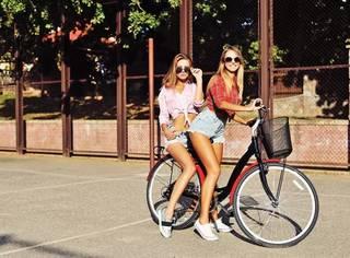 摩姐带你在单车上放飞~ 骑车也要骑出Cycle chic!