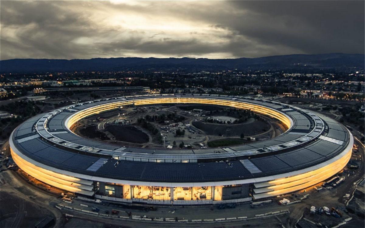 苹果用你们30万个肾造的新总部大楼,让设计师们气的要辞职! -5c3536a2-a17f-4881-af15-53cbdf525daf