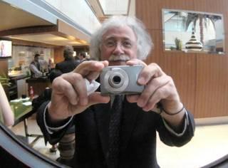 1个老男人相册里的照片,看到第1张就惊呆了……