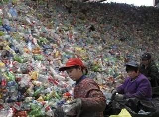 中国拒收外来垃圾后,塑料垃圾问题也被摆上了台面