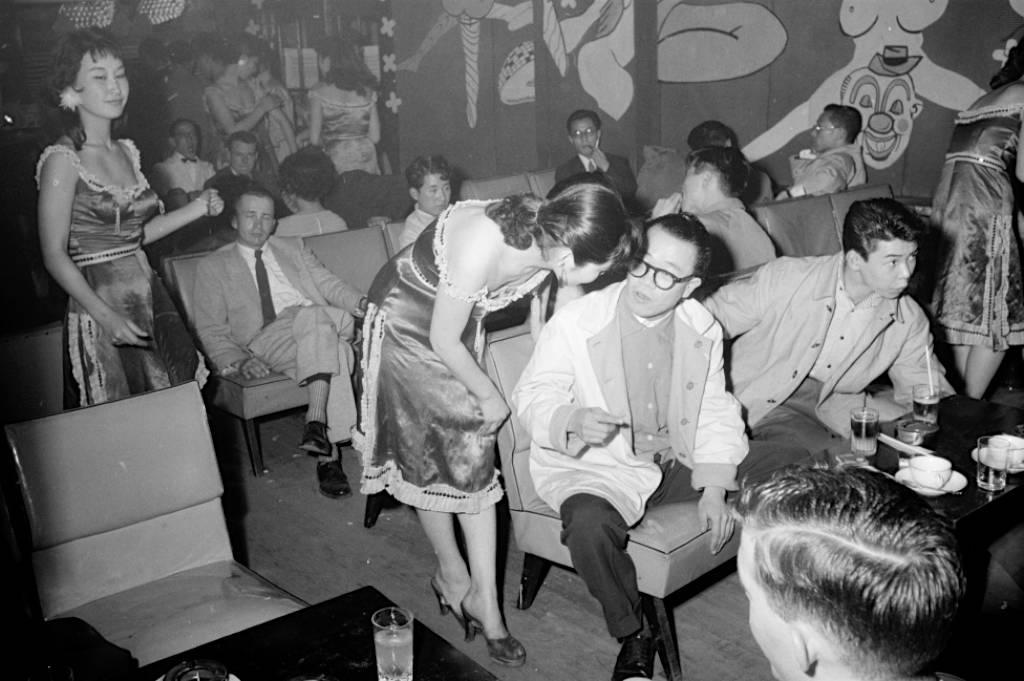 六十年前的东京 追求美国化的日本人