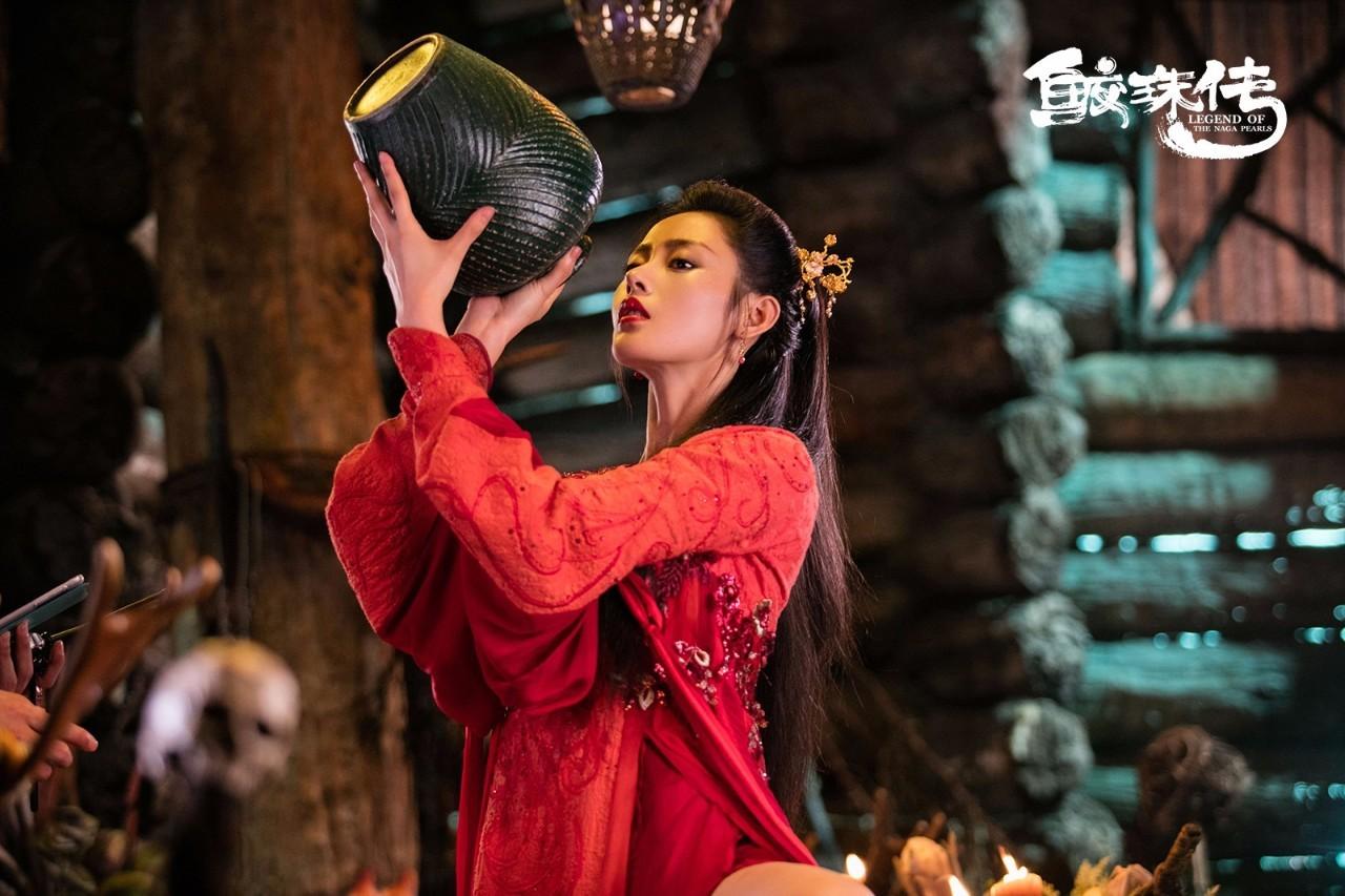 院线周报丨《战狼2》过40亿创华语票房新纪录,新片上线面临挑战