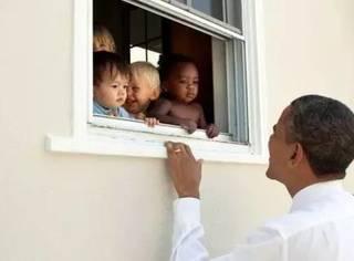 请收听今日国际媒体头条:奥巴马评夏城骚乱获推特最高点赞数