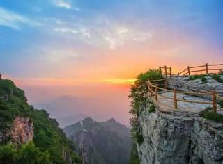 """不用去安徽,北京周边也有一座""""小黄山"""",雾气升腾似仙境!"""