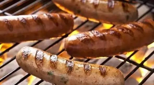 请收听今日国际媒体头条:英国发现携带肝炎病菌猪肉制品