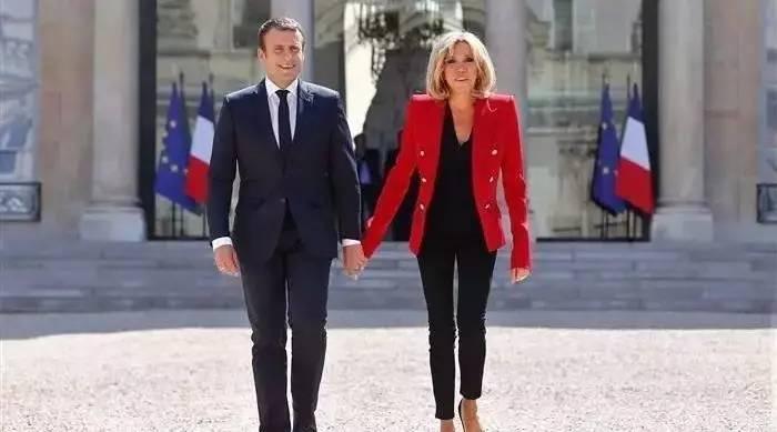 请收听今日国际媒体头条:法国出台总统夫人工作准则