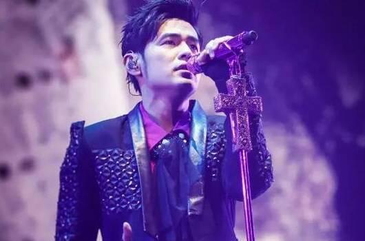 【音乐资讯】周杰伦演唱会助攻歌迷求婚 | 霉霉发布第二首新单曲