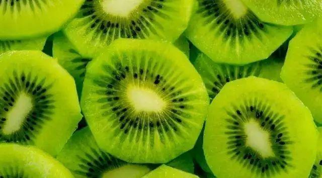 看的我都饿了,又要骗我买水果?