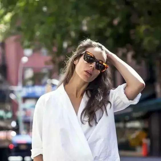最会穿的女人,衣橱只需10大件!(学会了,20岁到60岁都不愁穿)