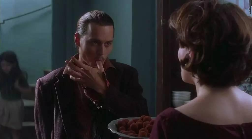 这部电影的食物和主角,都诱人得让我想犯罪
