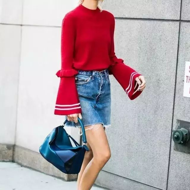 倪妮的这件Loewe针织衫更适合我妈,优衣库应该在偷笑吧…