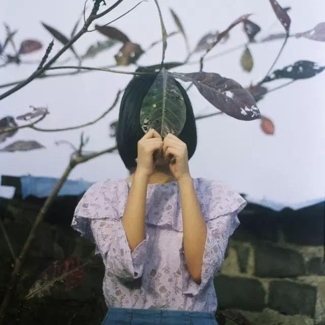 天空一无所有,何以给我安慰|10个关于孤独的故事
