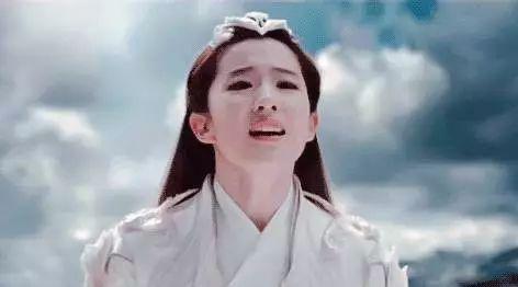 赵丽颖、杨幂、刘亦菲哭起来又美又仙,baby可能是来搞笑的…