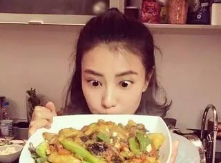 """杨紫赵丽颖吴昕...这些""""黑暗料理""""界的女王,你敢吃谁的菜?"""
