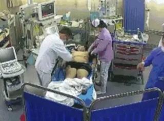为抢救病人剪坏衣物反遭家属索赔:你伸手要钱的样子,真让人心寒……
