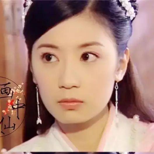 赵敏、芷若20年后美艳依旧,而异域风情的小昭却满脸尴尬认不出