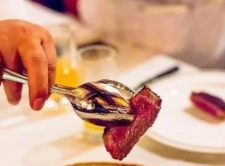 你与顶级美食家间的距离,就差这块干式熟成牛排了!