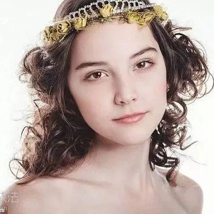 十四岁俄罗斯模特在上海走秀身亡,表面光鲜亮丽的职业背后有多少辛酸...